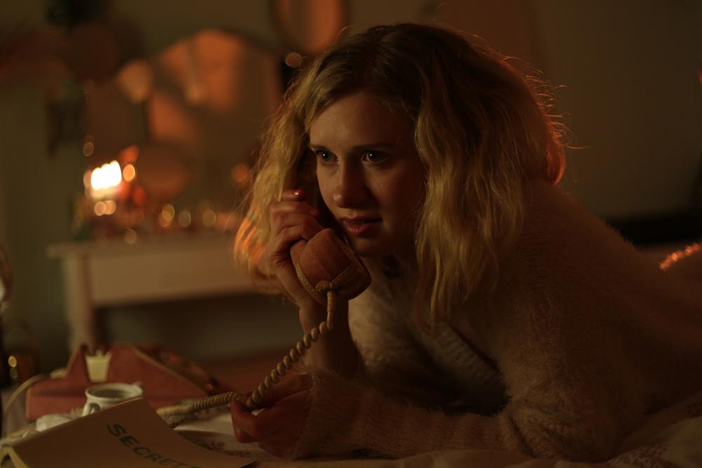 the shells - Cecilia Telephone (Vivien Lafleur) - Laura Jung