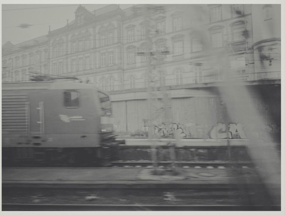 Pressebilder zur Ausstellung Transit – Im Zug zwischen Hamburg und Berlin in der West-Side Gallery Berlin, Eröffnung am 18. Juni ab 18:00 Uhr