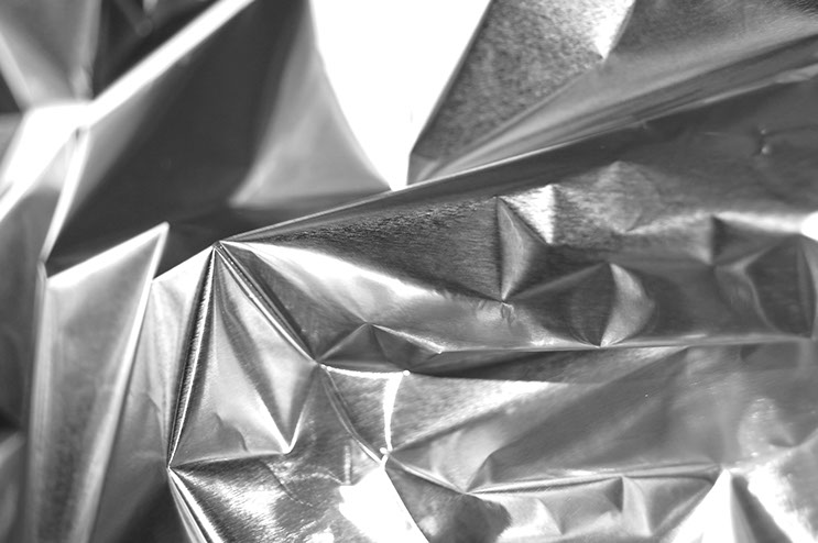 aluminimum foil - detail All pictures © 2015 RAI  - Raimund Lampert - Berlin All rights reserved.