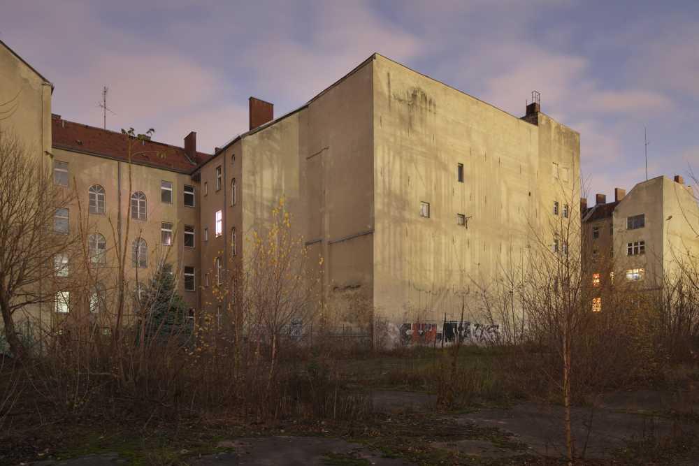 """Andreas Muhs. Heidestraße, Auszug aus der Serie """"Am Vorabend"""", 2015"""