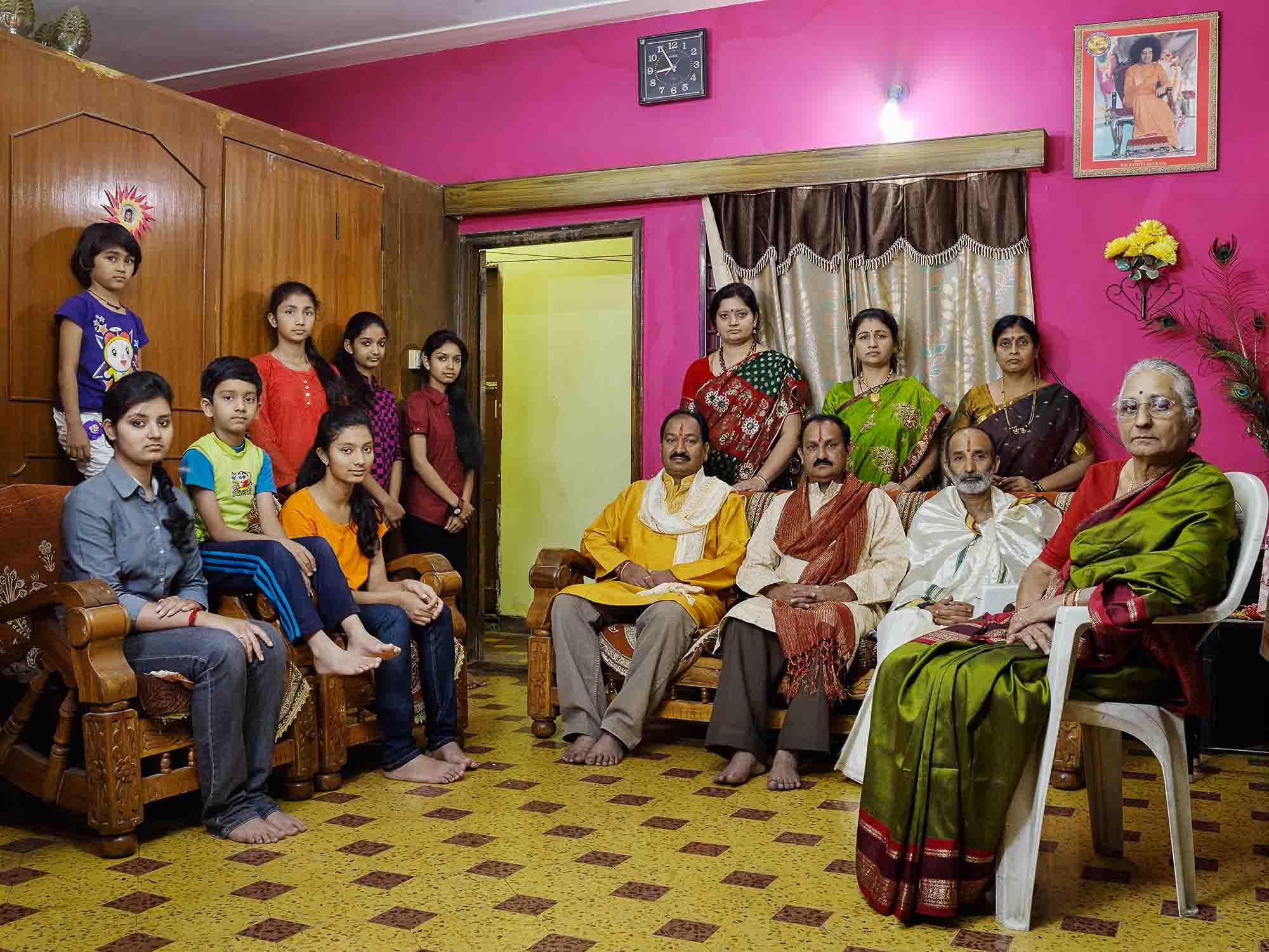 Nora Bibel, Pissay, Bangalore, Indien, 2015. Aus der Serie Family Comes First