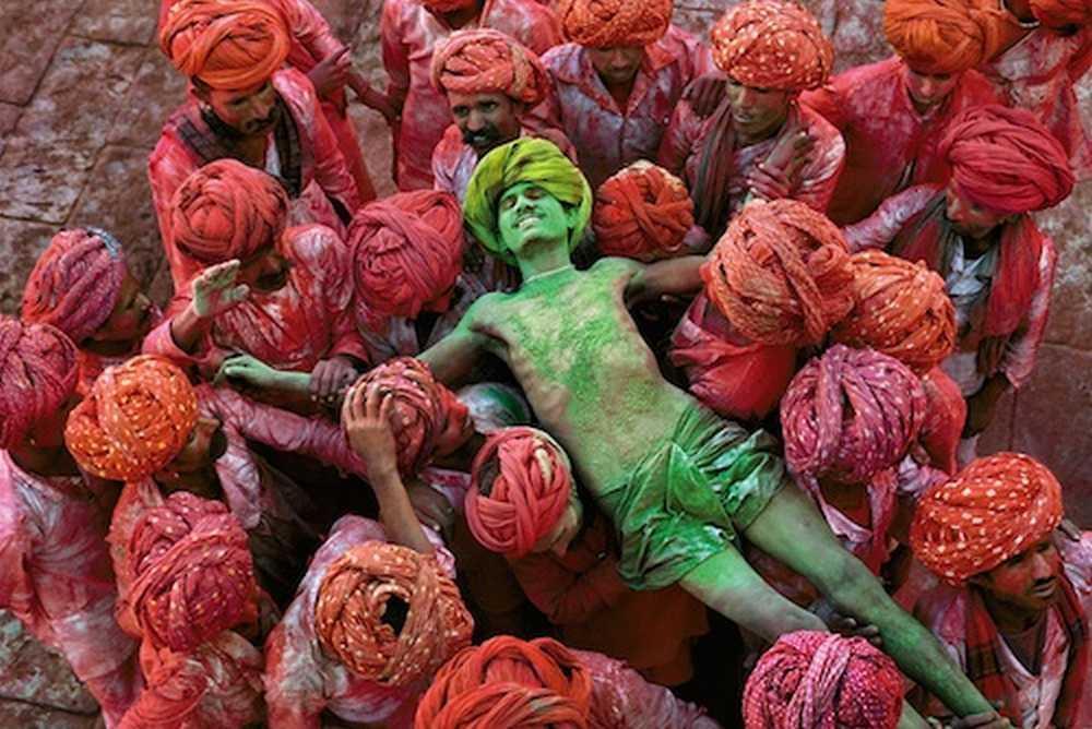 © Steve McCurry, Magnum Photos. HOLI MAN, INDIA, 1996.