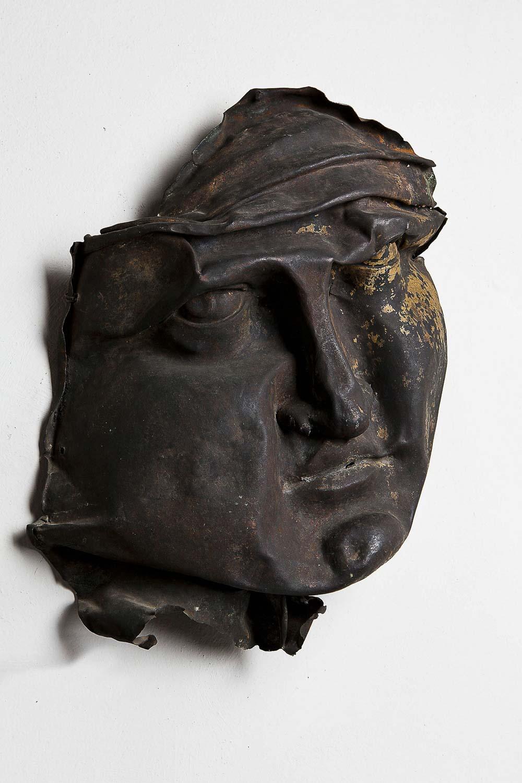 Bei der Bombardierung des Turms beschädigter Kopf der Kuppelfigur 'Religio' Hugenottenmuseum zu