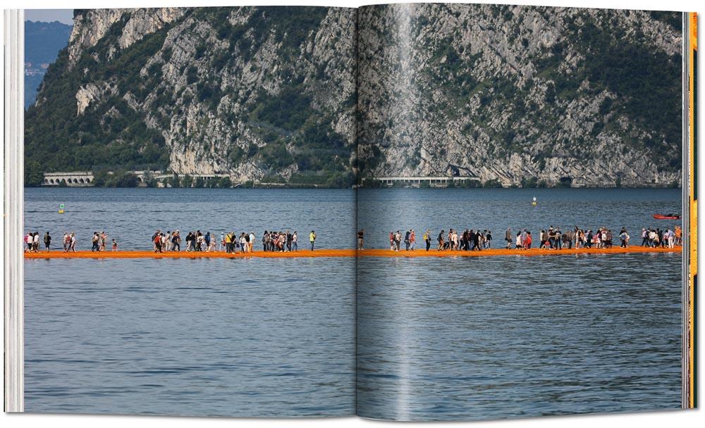 Künstbücher. The Floating Piers, Christo und Jeanne-Claude, Foto: © Taschen Verlag