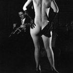 Striptease II, Herbert Dombrowski, Jedes Bild ist mir begegnet, Galerie Hilaneh von Kories