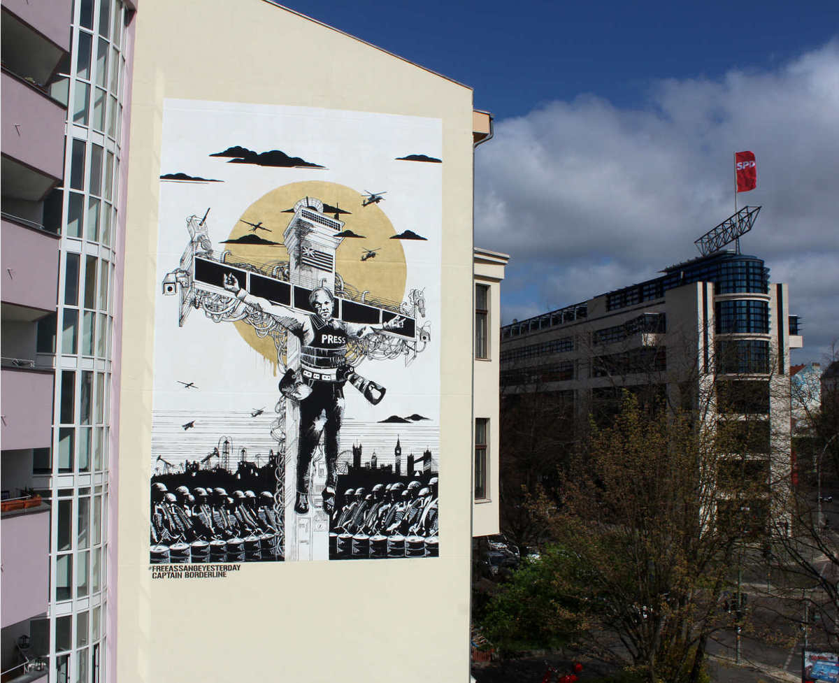 Assange Mural, Foto © Captain Borderline Crew