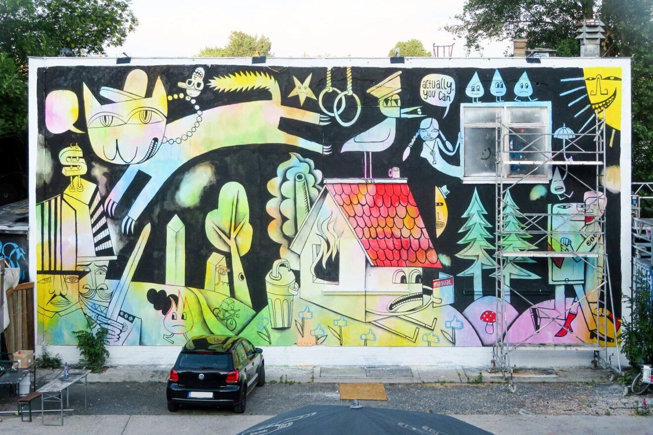 Aktuelles noch unvollendetes Wandgemälde des Berliner Street Art Künstlers Jim Avignon, Berlin-Friedrichshain, Warschauer Straße. Foto: André Lindhorst