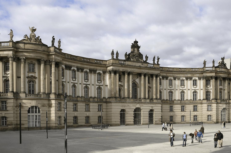 Bebelplatz © visitBerlin_Foto_Wolfgang Scholvien